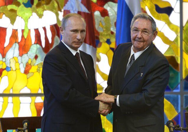 Presidente de Rusia, Vladímir Putin y presidente de Cuba, Raúl Castro