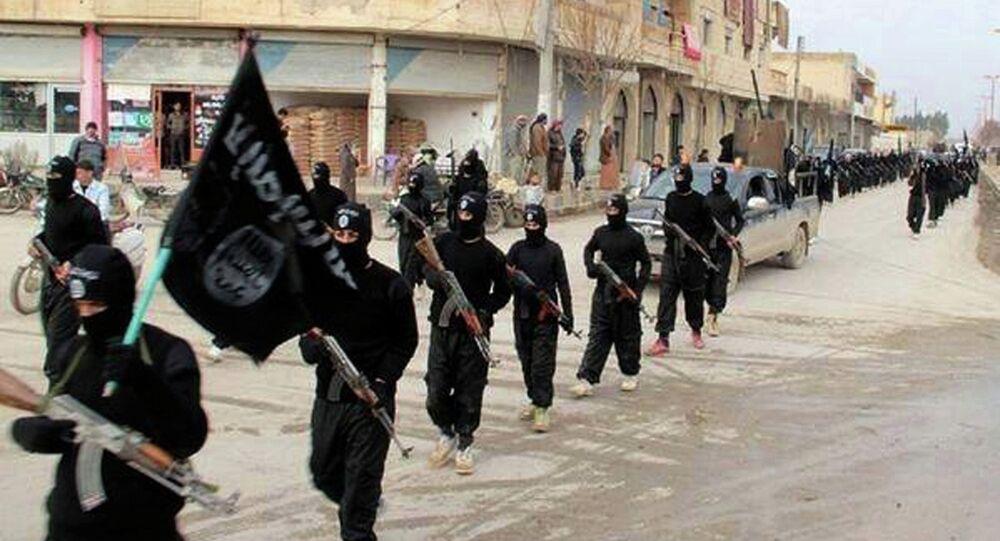 Combatientes del Estado Islámico en Siria (archivo)