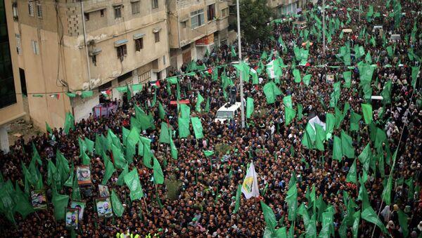 Los partidarios de Hamas en una marcha - Sputnik Mundo