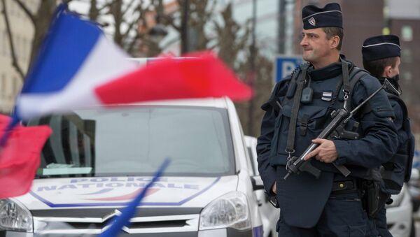 Arresto de supuestos terroristas rusos en Francia y otros casos similares - Sputnik Mundo