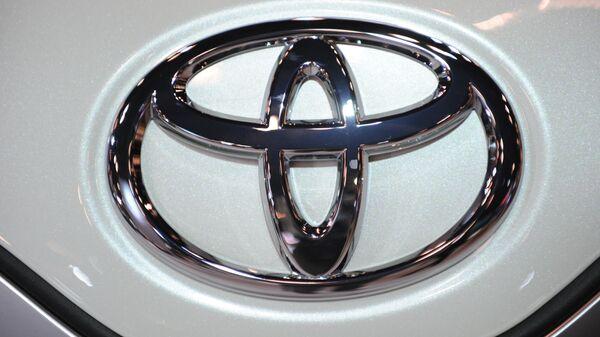 Toyota Motor отзывает по всему миру более 1 млн автомобилей Avensis - Sputnik Mundo