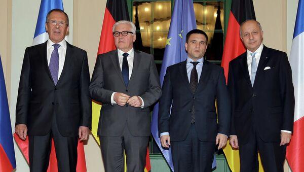 Ministro de Asuntos Exteriores de Rusia, Serguéi Lavrov, de Alemania, Frank-Walter Steinmeier, de Ucrania, Pavló Klimkin, y de Francia, Laurent Fabius - Sputnik Mundo