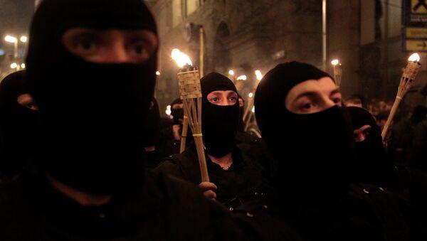 Azov, Donbás, Pravy Sektor: los símbolos de las SS renacen en Ucrania - Sputnik Mundo