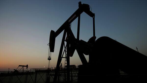 La mitad del petróleo importado por España en enero procede de África - Sputnik Mundo