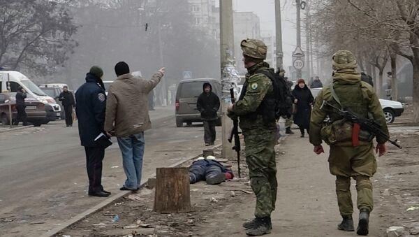 Militares ucranianos en la ciudad de Mariúpol - Sputnik Mundo
