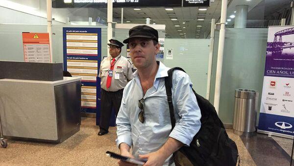 Дамьян Пачтер, журналист, сообщивший о гибели прокурора Альберто Нисмана, покидает Аргентину - Sputnik Mundo