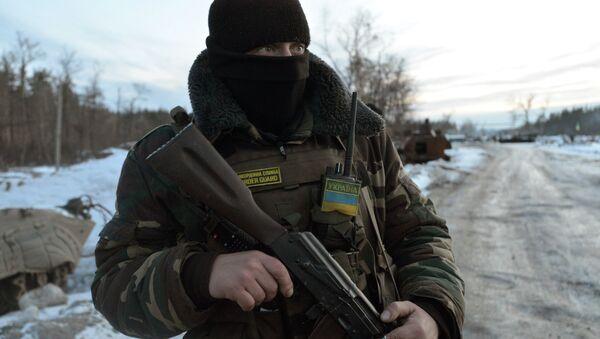 Militar ucraniano en la región de Donbás - Sputnik Mundo