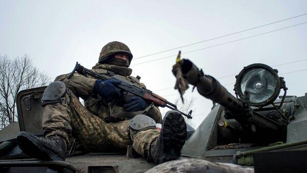 Soldado del ejército ucraniano (archivo) - Sputnik Mundo