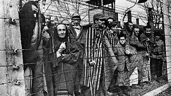 Presos del campo de concentración Auschwitz - Sputnik Mundo