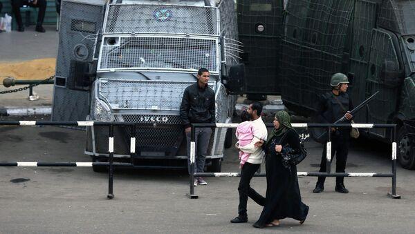 Policías en el centro de El Cairo - Sputnik Mundo