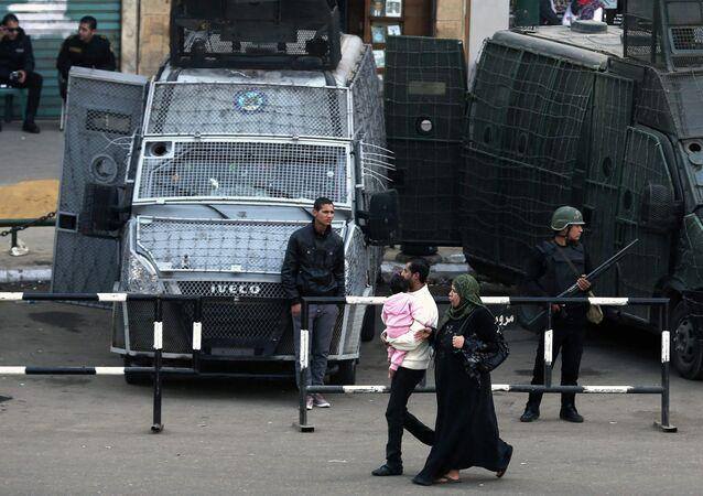Policías en el centro de El Cairo