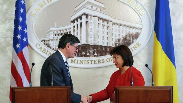 Ministro de Finanzas de EEUU, Jack Lew y ministra de Finanzas de Ucrania, Natalia Yaresko - Sputnik Mundo