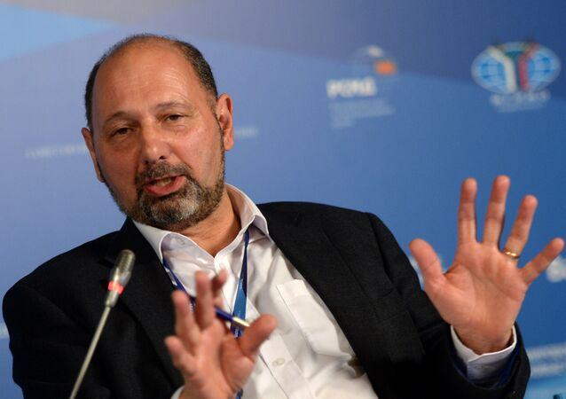 Richard Sakwa, experto en Política Rusa y Europea