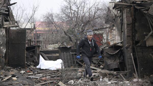 Последствия обстрела Донецка - Sputnik Mundo