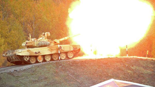 Tanque T-90 durante la feria Russia Arms Expo 2013 (Archivo) - Sputnik Mundo