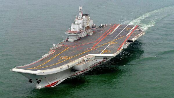 El primer portaviones chino Liaoning - Sputnik Mundo