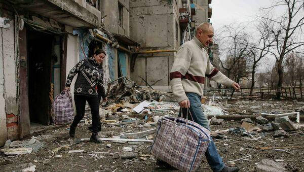 Legisladores alemanes suministrarán medicinas a Donbás pese a falta de respuesta de Kiev - Sputnik Mundo