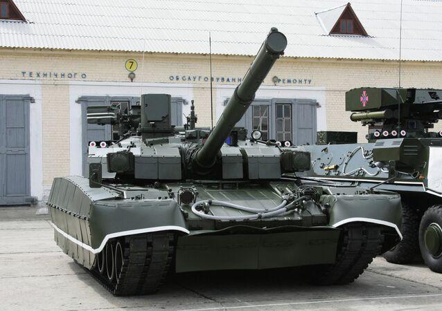 Tanque ucraniano Oplot