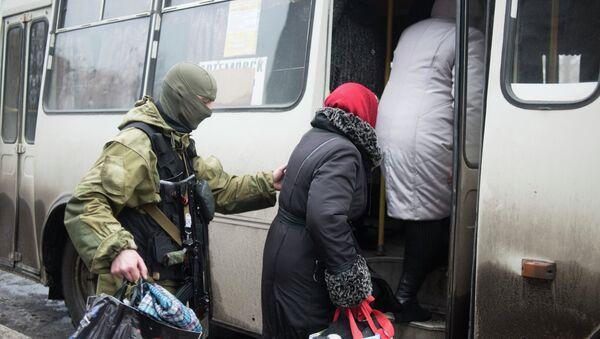 Donetsk y Kiev acuerdan un alto el fuego para evacuar civiles de Debáltsevo - Sputnik Mundo
