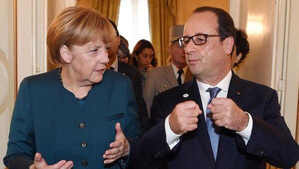 Canciller de Alemania, Angela Merkel, y el presidente de Francia, François Hollande - Sputnik Mundo