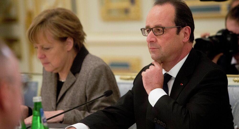 François Hollande, presidente de Francia, y la canciller alemana, Angela Merkel