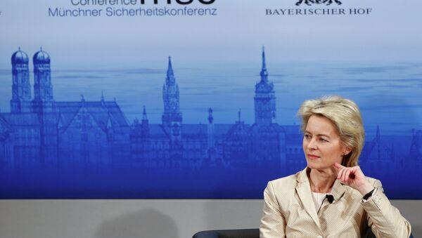 Die deutsche Verteidigungsministerin Ursula von der Leyen - Sputnik Mundo
