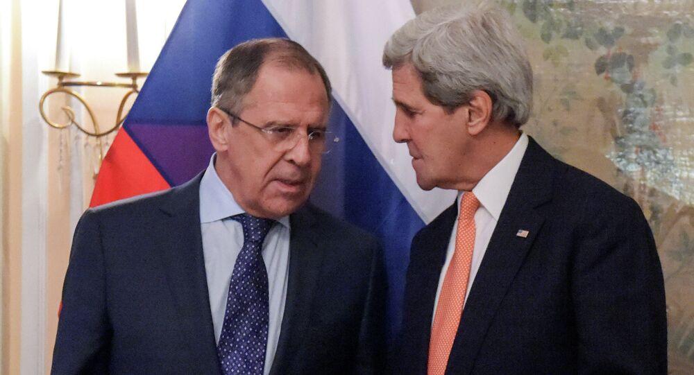 El ministro de Asuntos Exteriores de Rusia, Serguéi Lavrov, y el secretario de Estado de EEUU, John Kerry