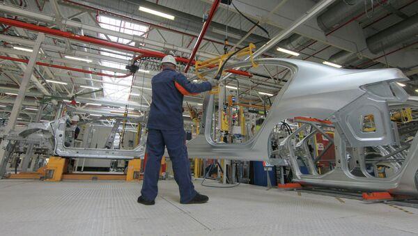 Калужский завод ПСМА Рус запустил в производство Citroen C4 - Sputnik Mundo