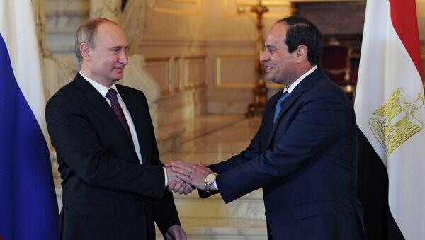 Presidente de Rusia, Vladímir Putin y presidente de Egipto, Abdelfatah al Sisi (archivo) - Sputnik Mundo