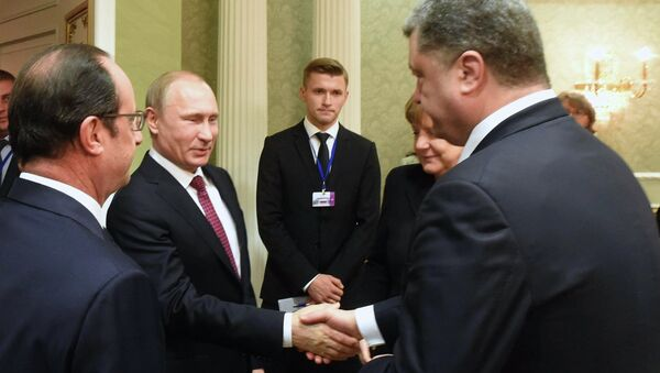 Presidente de Francia, François Hollande, presidente de Rusia, Vladímir Putin, canciller de Alemania, Angela Merkel, y presidente de Ucrania, Petró Poroshenko - Sputnik Mundo