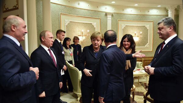 Presidente de Bielorrusia, Alexander Lukashenko,presidente de Rusia, Vladímir Putin, canciller de Alemania, Angela Merkel, presidente de Francia, François Hollande y presidente de Ucrania, Petró Poroshenko - Sputnik Mundo