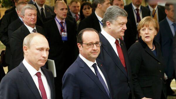 Presidente de Rusia, Vladímir Putin, presidente de Francia, François Hollande, presidente de Ucrania, Petró Poroshenko y canciller de Alemania, Angela Merkel (Archivo) - Sputnik Mundo