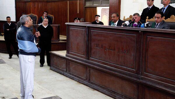 Un tribunal egipcio libera a los periodistas de Al-Jazeera mientras dure su juicio - Sputnik Mundo
