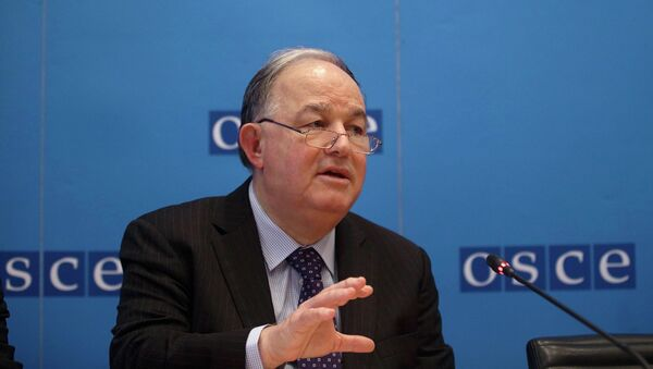 Ertugrul Apakan, Chief Monitor of the OSCE Special Monitoring Mission to Ukraine, addresses a news conference at OSCE's headquarters in Vienna February 5, 2015 - Sputnik Mundo