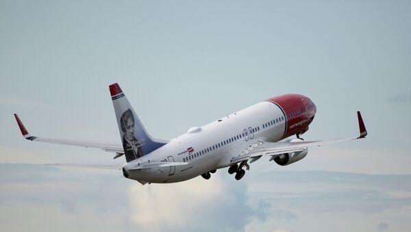 Boeing 737 de la aerolínea Norwegian - Sputnik Mundo