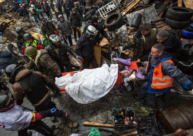 Manifestante herido en la Plaza de la Independencia (Maidán) de Kiev, 2014