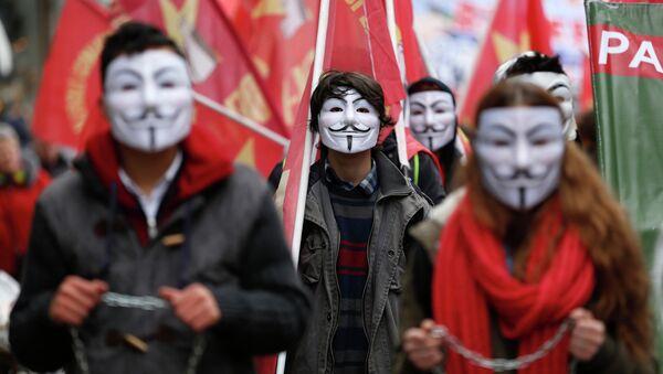 Manifestantes en Estambul, Turquía - Sputnik Mundo