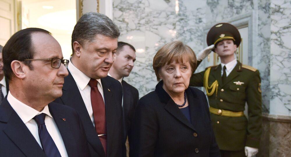 Presidente de Francia, François Hollande, presidente de Ucrania, Petró Poroshenko y canciller de Alemania Angela Merkel