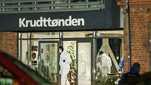 Forensic investigators are seen at the site of a shooting in Copenhagen February 14, 2015 - Sputnik Mundo