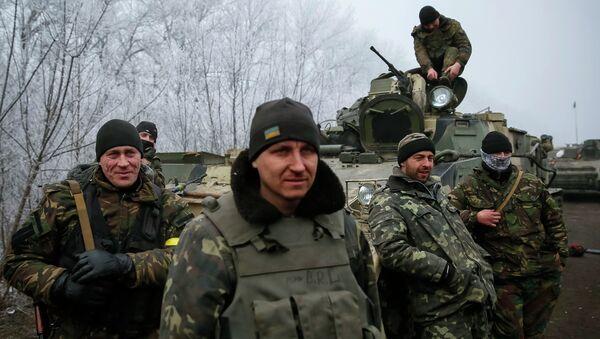 Militares ucranianos cerca de Debáltsevo - Sputnik Mundo
