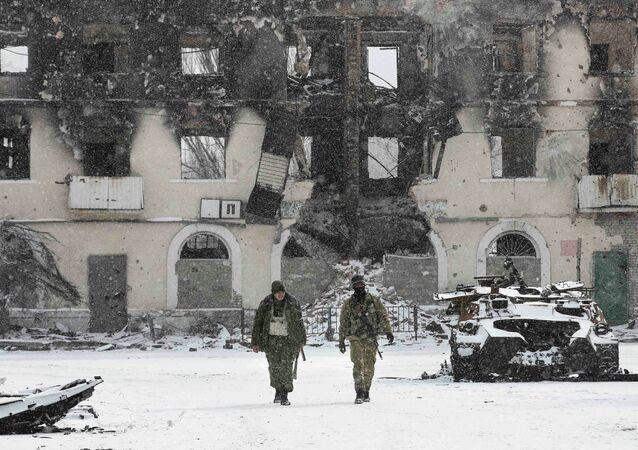 Los milicianos de República Popular de Donetsk (RPD), Vuhlehirsk, 16 de febrero, 2015
