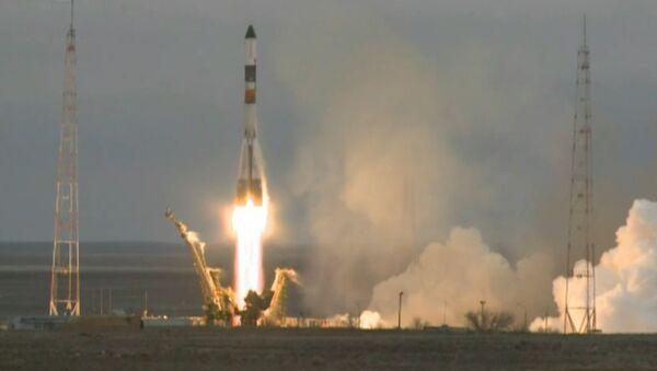 El Progress M-26M partió de Baikonur con carga para la EEI. Imágenes del lanzamiento - Sputnik Mundo