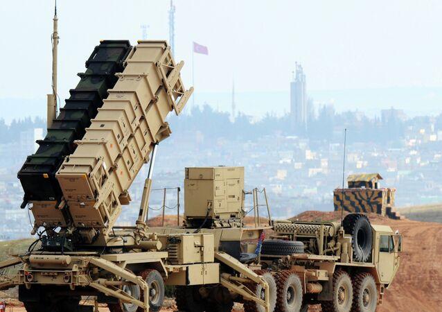 Patriot, sistema de misiles tierra-aire de largo alcance fabricado por la compañía estadounidense Raytheon