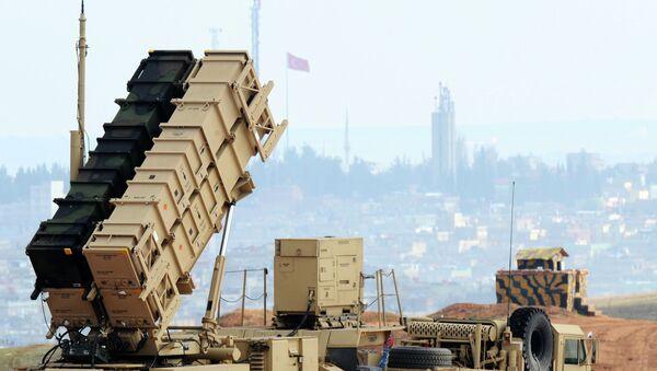 Patriot, sistema de misiles tierra-aire de largo alcance fabricado por la compañía estadounidense Raytheon - Sputnik Mundo