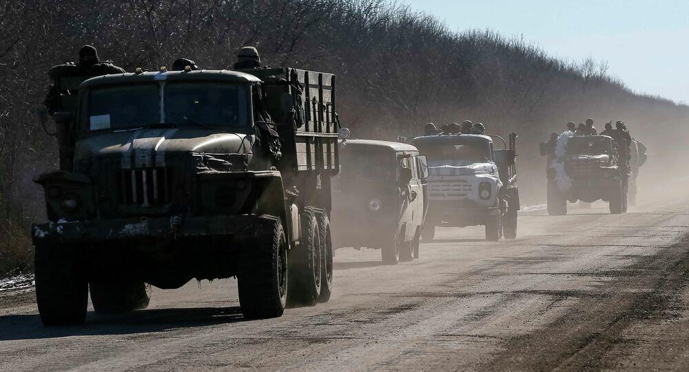 Poroshenko dice que 2.500 militares ucranianos abandonaron la zona de Debáltsevo