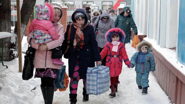 Refugiados ucranianos en Rusia - Sputnik Mundo