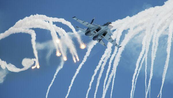Caza Su-30 del grupo de acrobacia aérea Sókoli Rossii (archivo) - Sputnik Mundo