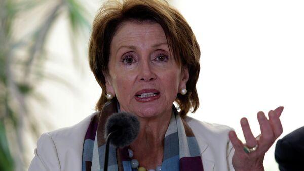 U.S. House of Representatives Democratic leader Nancy Pelosi talks during a news conference in Havana February 19, 2015. - Sputnik Mundo