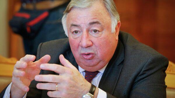 Gérard Larcher, presidente del Senado de Francia - Sputnik Mundo