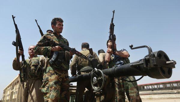 El peshmerga, las fuerzas kurdas que combaten al EI en Irak - Sputnik Mundo